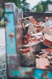 ¿Cómo funcionan los contenedores de escombros?
